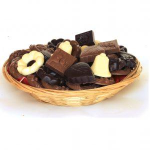 kerst chocolade op rietenmand