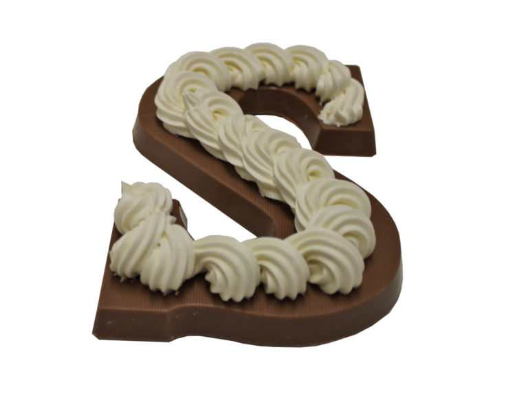 Opgespoten chocoladeletter