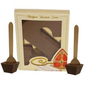 chocoladeLetter met chocomelk